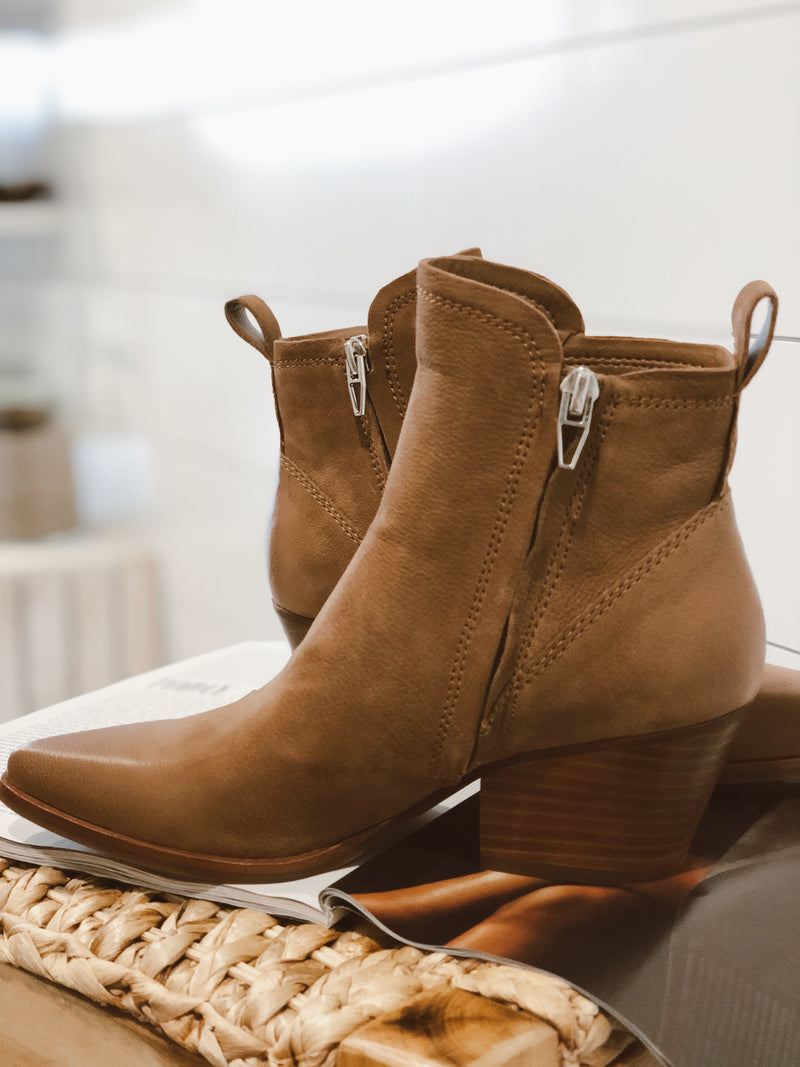 DOLCE VITA | SAMMEY TEAK NUBUCK LEATHER BOOTIES