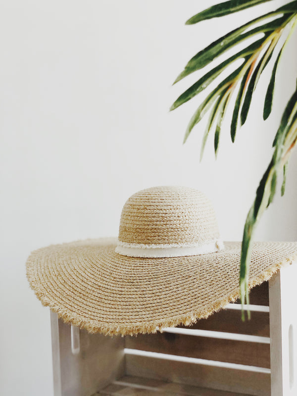 Sunny Raffia Straw Hat - Natural | amannequin | Womens | One Size | Oversized Hat