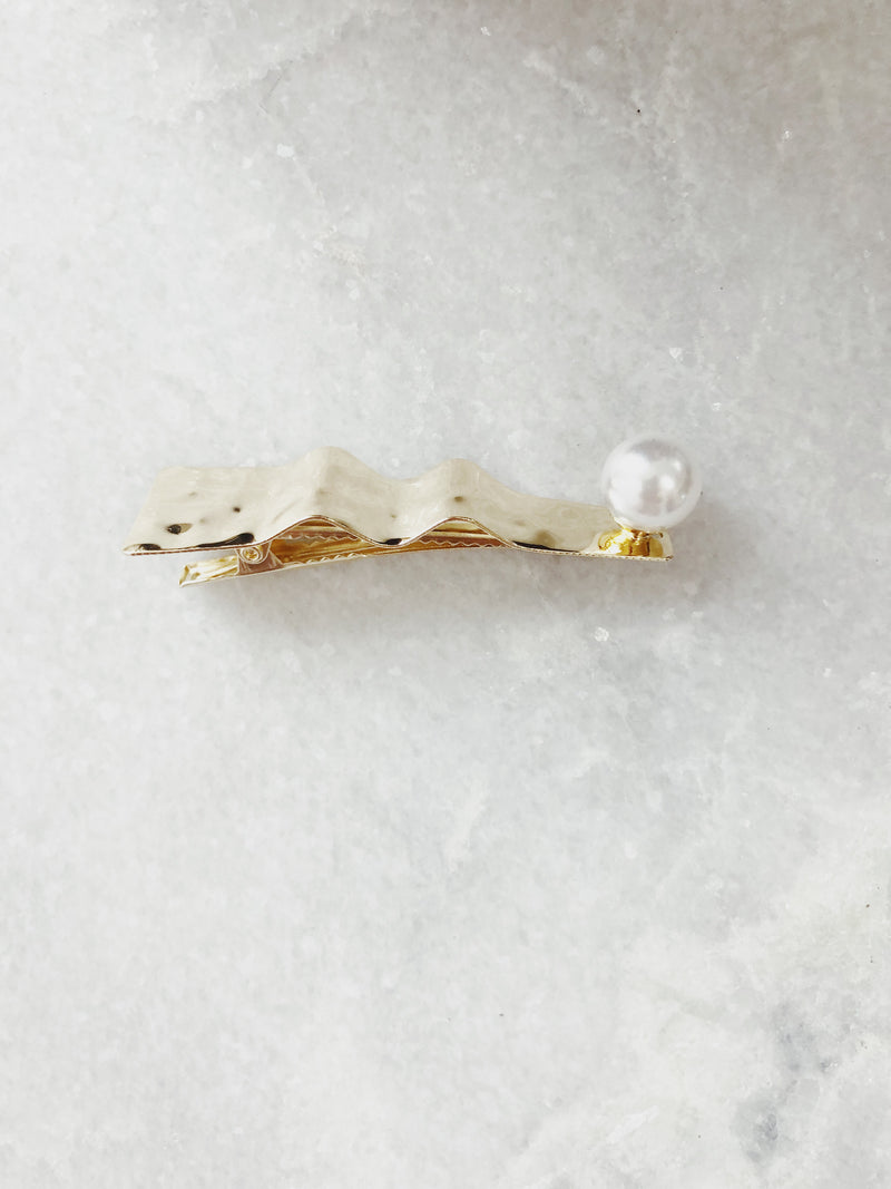 Ryder Gold Hammered Pearl Triangle Hair Barrette - amannequin - amannequin