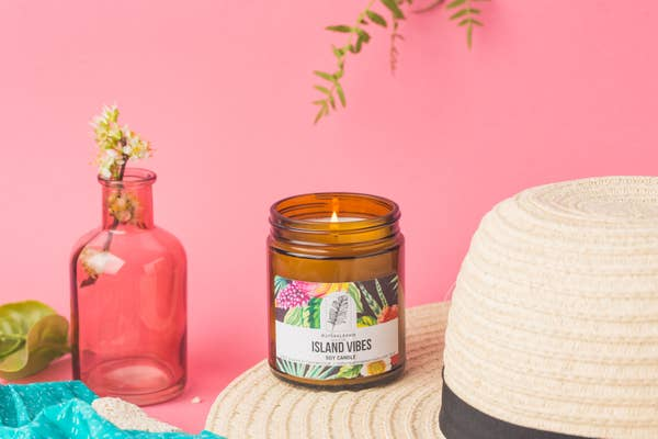 NaturalAnnie Essentials - Island Vibes Fruity/ Tropical scented Soy Candle