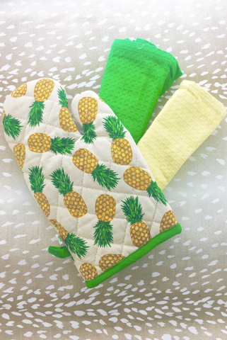 Pineapple Oven Mitt and Dish Towel Gift Set