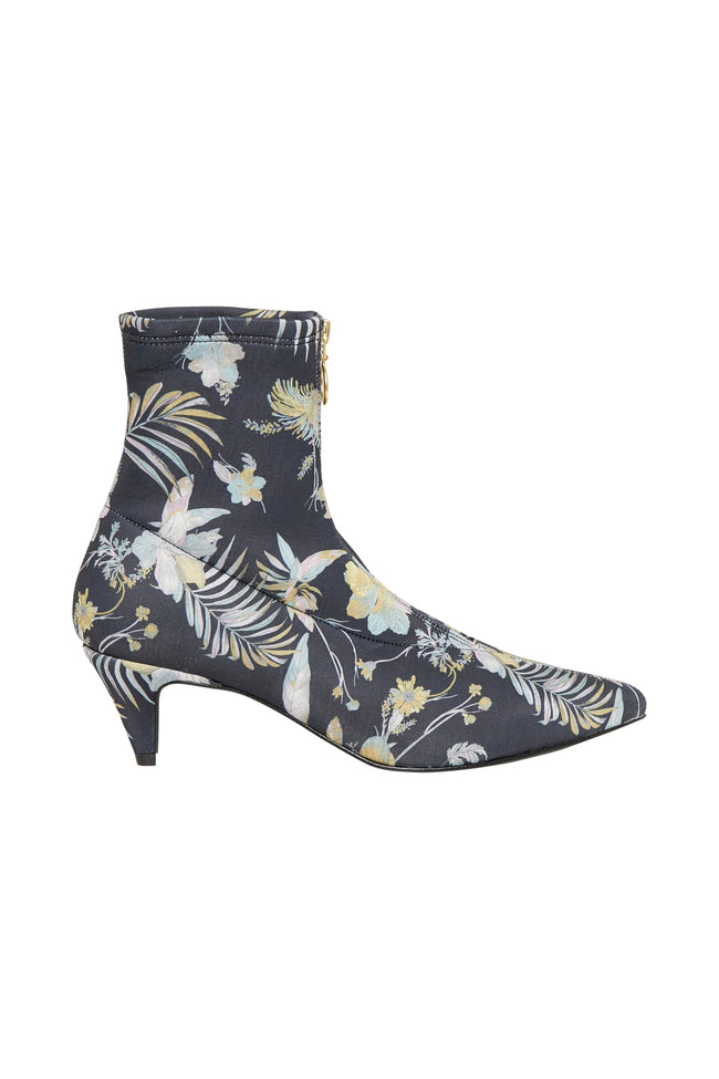 Gestuz_SS18_Maua_Boots_Product_Shot_Sold_In_NZ