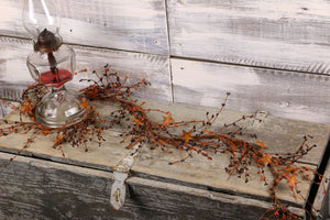 Primitive Mix Pip Berry & Rusty Star Garland - 40""
