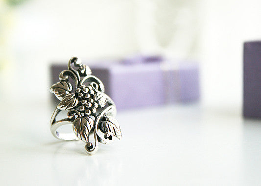 925 Sterling Silver flower Ring/ grapes ring Style Gift Idea Rocker Gothic Woman Jewelry -  Silver ring (SR-045)