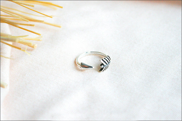 Adjustable Arrow Ring, 925 sterling silver, Arrow Wrap Around Stackable Midi Knuckle Ring, Arrow Ring, Tiny Midi (R-100)