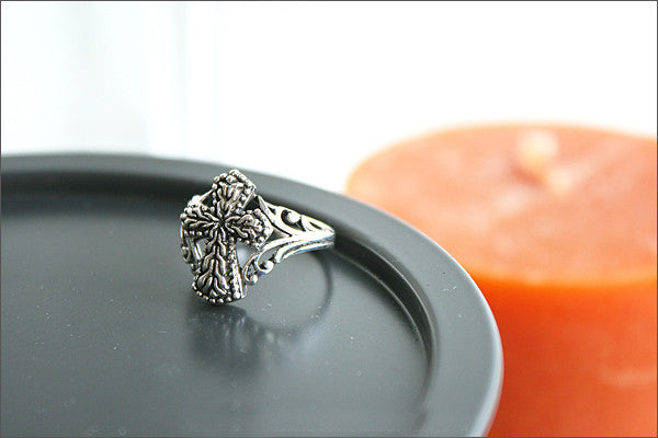 925 Sterling Silver Cross Ring Style Gift Idea Rocker Gothic Woman Jewelry -  Silver ring  (SR-030)
