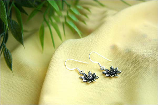 Sunflowers Earrings - 925 Sterling Silver - Silver  earrings - Love earrings Gift Idea Rocker Gothic Woman Jewelry (E-29)