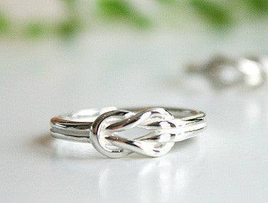925 Sterling Silver Ring -  Love Knot Ring Style Gift Idea Rocker Gothic Woman Jewelry -  Silver ring (SR-085)