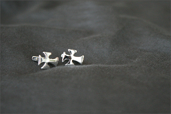 Cross Earrings - 925 Sterling Silver Tiny Cross Earrings -  silver stud earrings - tiny cross earrings (E4 )