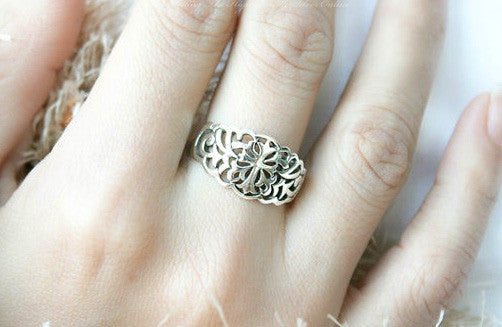 925 Sterling Silver Ring - Cross Ring Style Gift Idea Rocker Gothic Woman Jewelry -  Silver ring (SR-032)