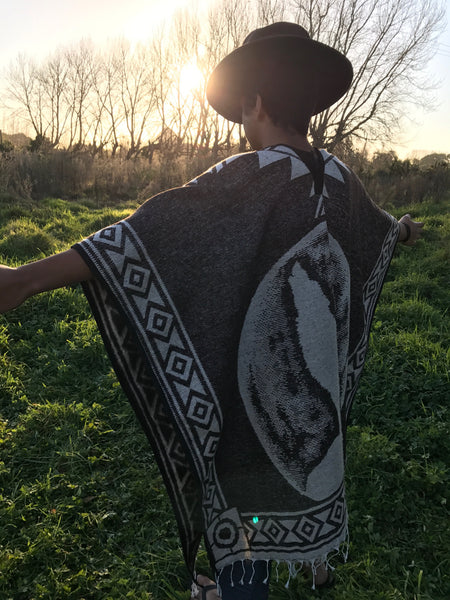 Howling Wolf Poncho - Mexico