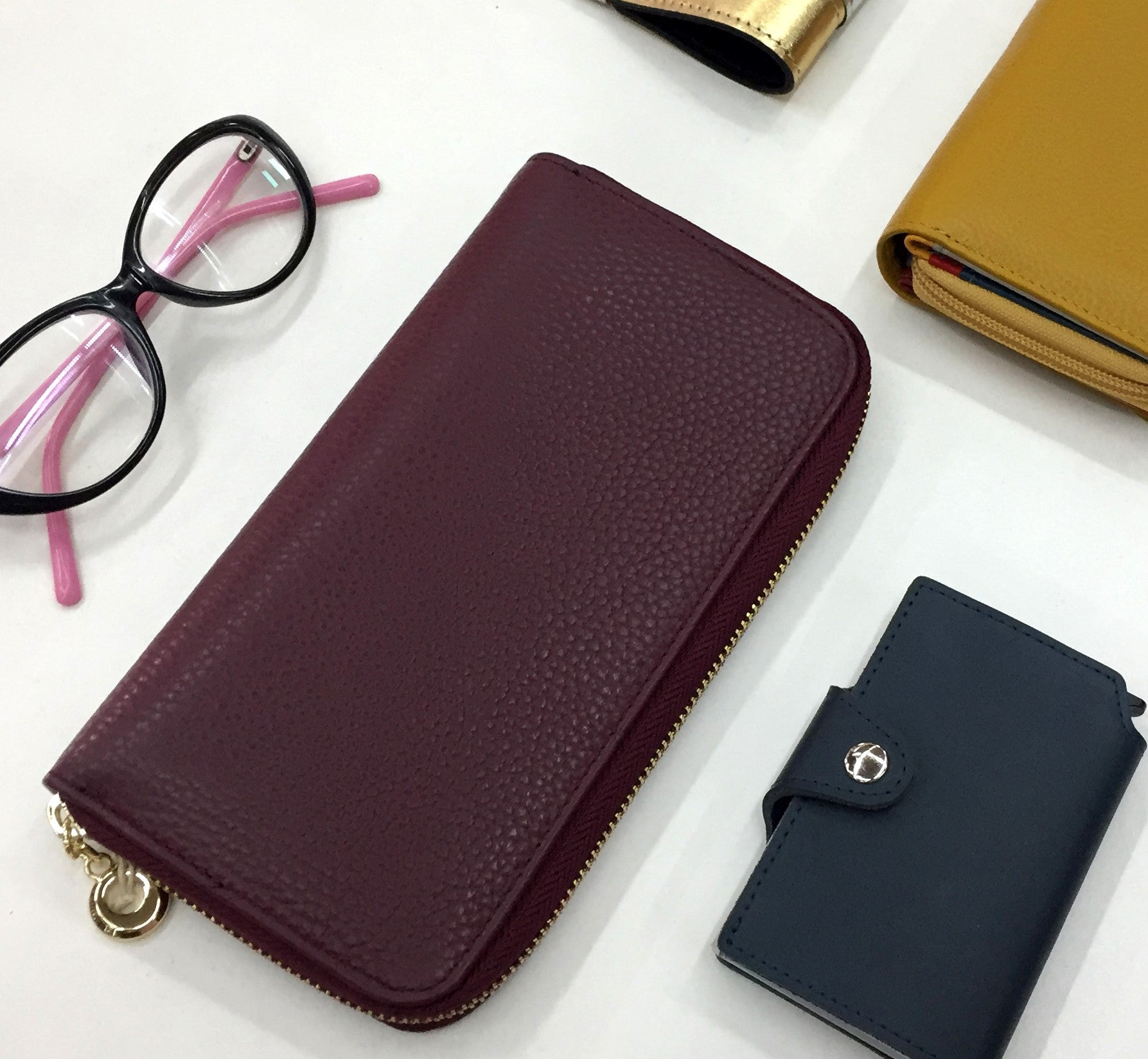 Pashma classic wallet design in royal purple color with attention to detail and quality.