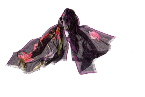 Lifelike Flowers Scarf in Silk and Cashmere ( Pink and Black )