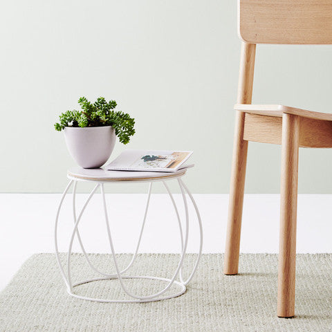 IVY MUSE BUTTON PLANT STAND IN WHITE