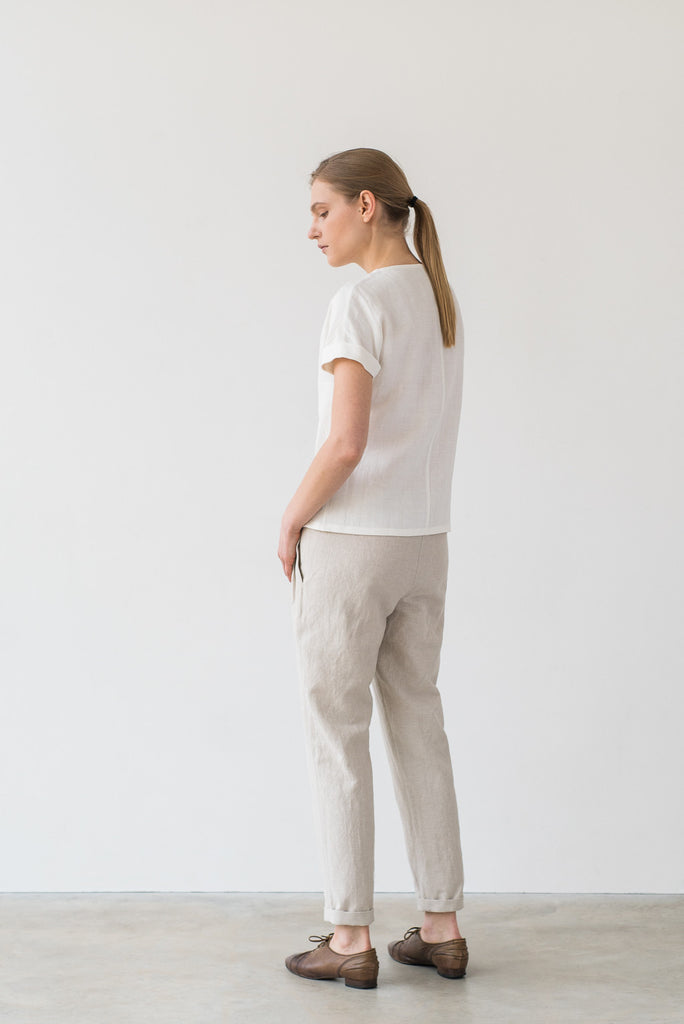 Uma tee in white - Ode to Sunday