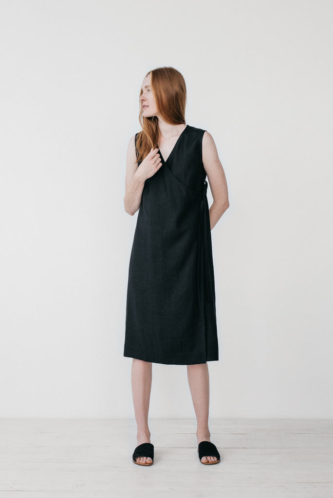 Zoe wrap dress in black - Ode to Sunday