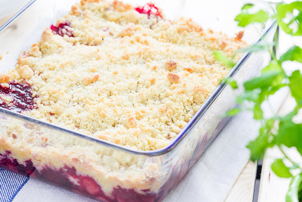 Nice and Simple Strawberry Crumble