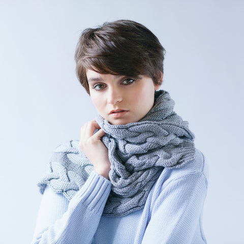 100% Merino Cable Scarf Grey