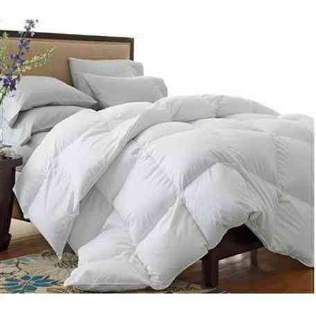 Oversized 300 Thread Count All-Season White Down Blend Comforter
