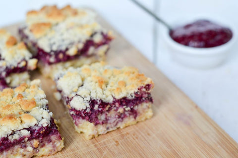 Sugarfree Crumble Bars by Jacky Nobels ǀ Stevia Recipes
