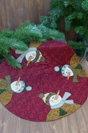 Four Frosty's Christmas tree skirt pattern