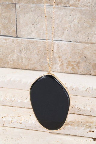 Pendant Necklace in BLACK