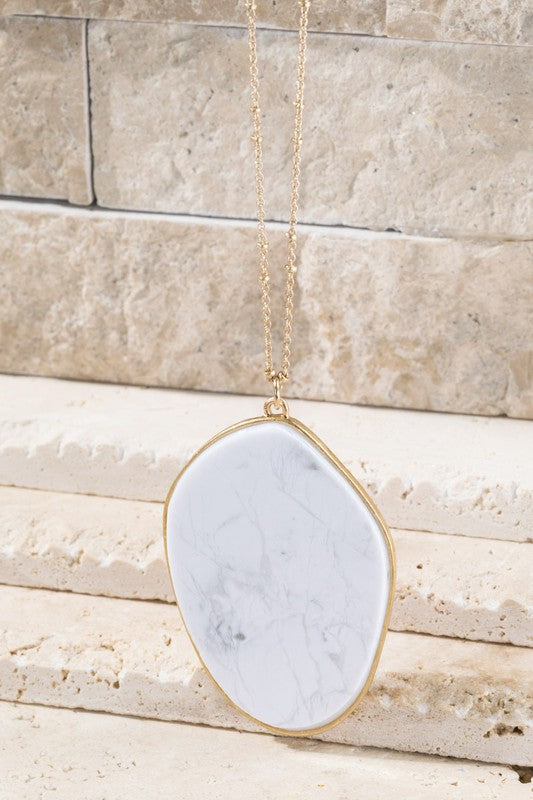 Pendant Necklace in White