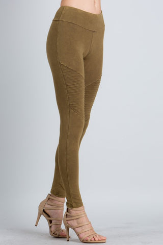 Mineral Wash Moto Leggings in Light Olive