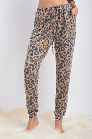 Leopard Joggers in Camel