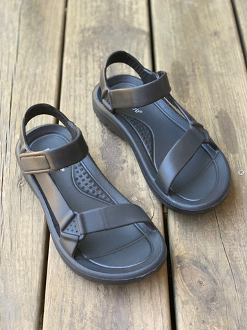 Weekend Adventure Sandal in Black