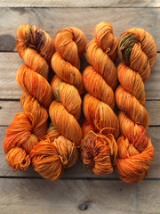 Mother of dragons - Ares: 75% Superwash Merino 25% Nylon - Sock