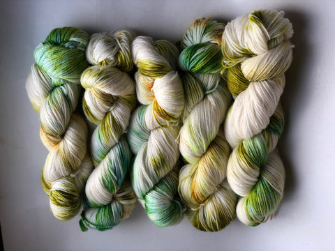 Zelda - NYX: 80% Superwash Merino 10% Nylon 10% Cashmere