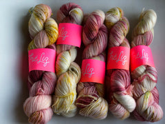 Lady Marmelade - NYX: 80% Superwash Merino 10% Nylon 10% Cashmere