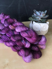 Ici - Psyche - 50% Superwash Merino 50% Silk - Single Fingering