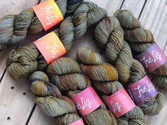 Albus Dumbledore - Yama: 70% Superwash Merino 20% Yak 10% Nylon - Sock
