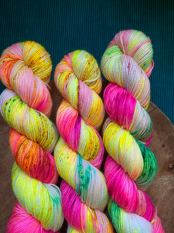 Innocence - Hera: 100% Superwash Merino High Twist - Fingering