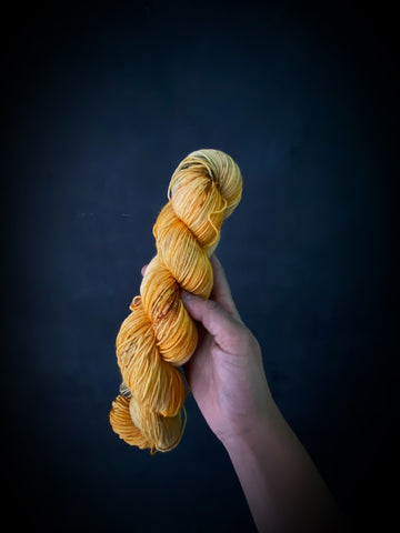Albus Dumbledore - Ares: 75% Superwash Merino 25% Nylon - Sock