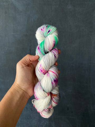 Skeleton Woman - Hera: 100% Superwash Merino High Twist - Fingering