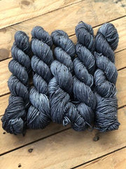 Mines Of Moria - Gaia: 85% Superwash Merino 15% Donegal Nep - DK
