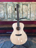 Breedlove Oregon Concerto E - Myrtlewood