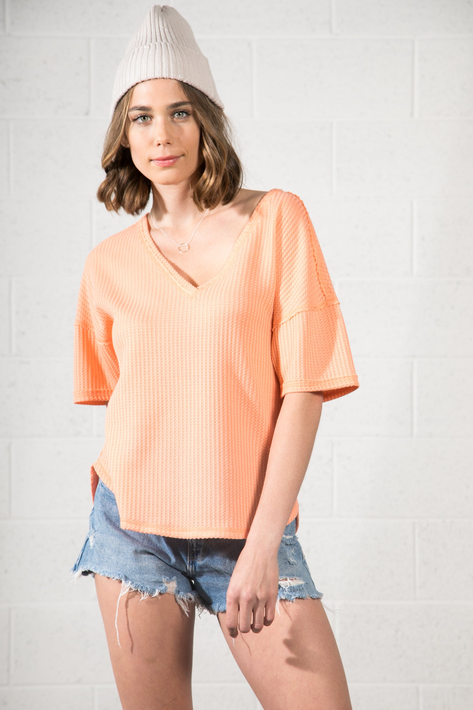 V-NECK BASIC KNIT TOP