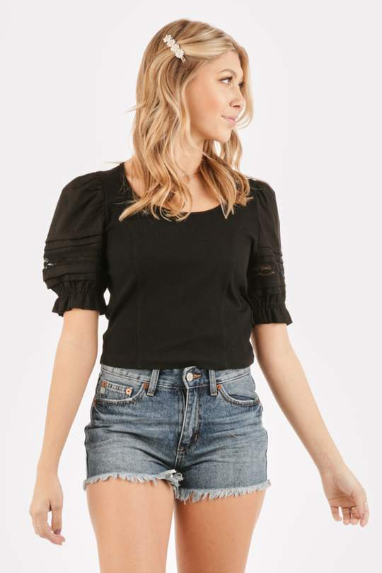 PUFF SLEEVE CROP KNIT TOP