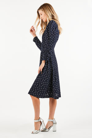 EVERLY ALL OVER MINI PRINT MIDI DRESS