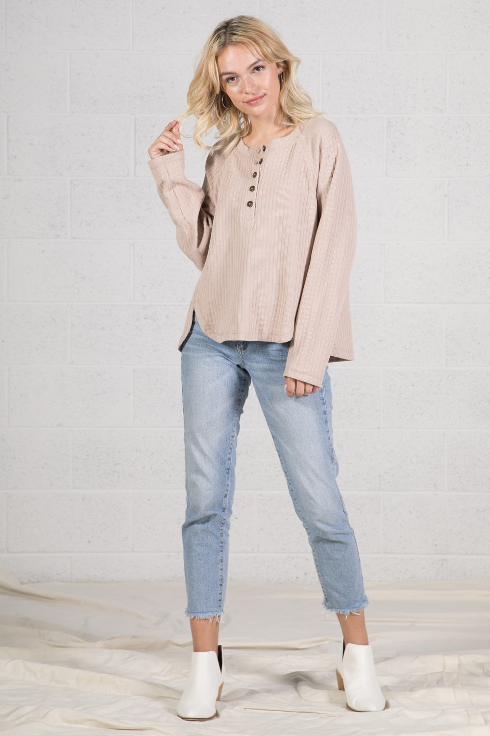 MARLED BUTTON PLACKET KNIT TOP