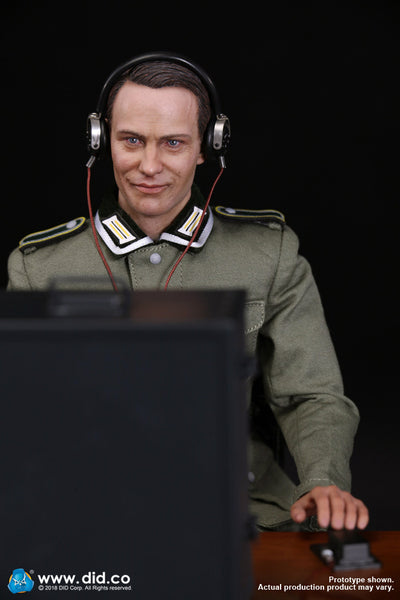 1/6 Scale WWII German Communication 3 WH Radio Operator - Gerd Figure by DID