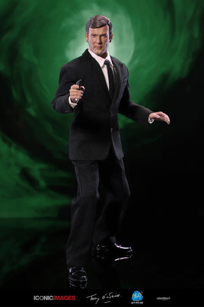 1/6 Scale Roger Moore Figure by DID
