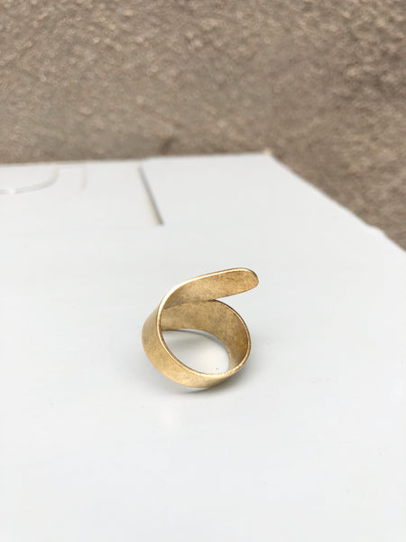 Simple Swirl Ring