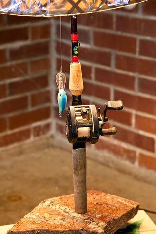 Bait caster fishing lamp