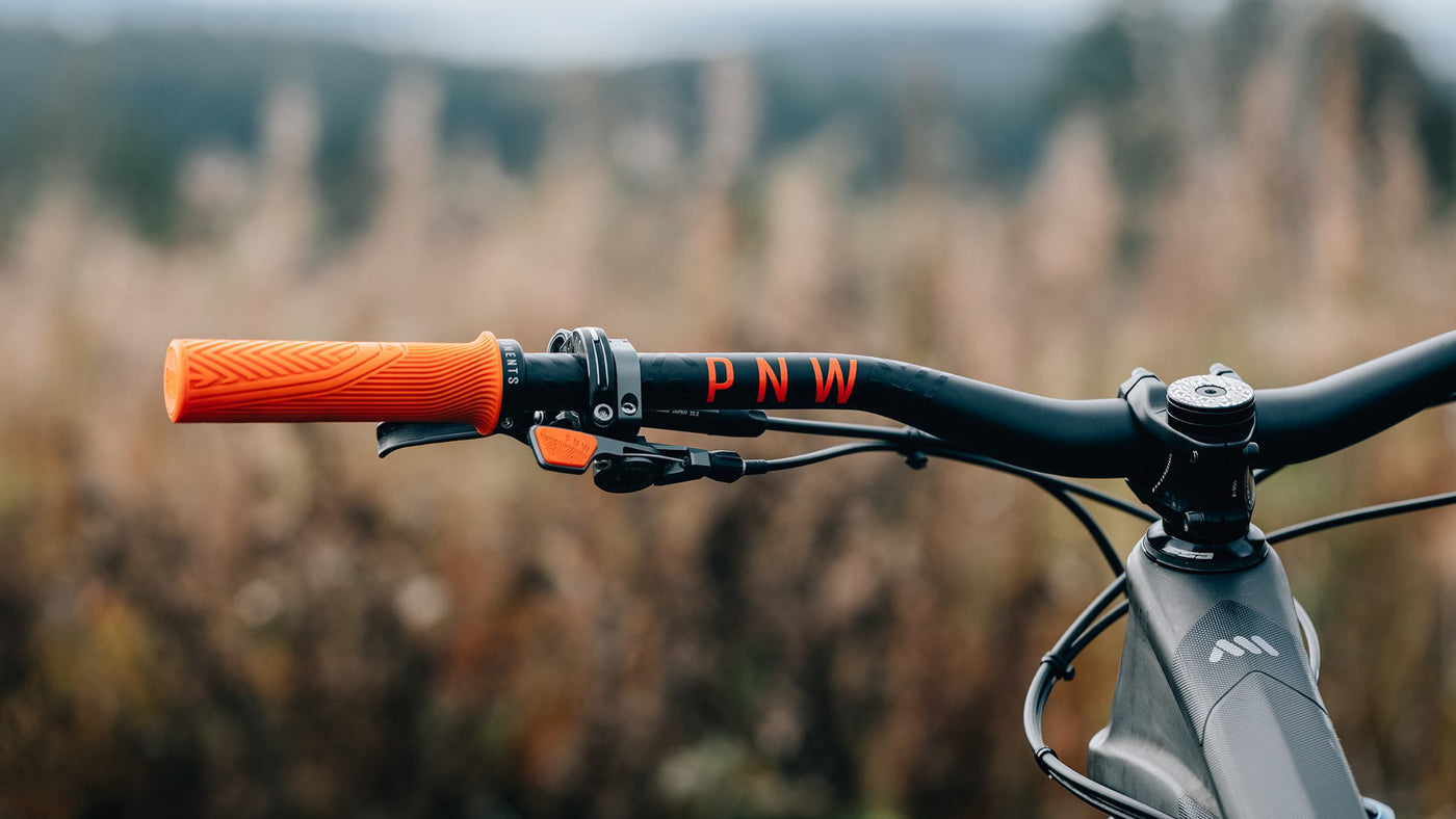 PNW Components Loam Grips and Range Handlebar KW Edition Reviewed by NSMB