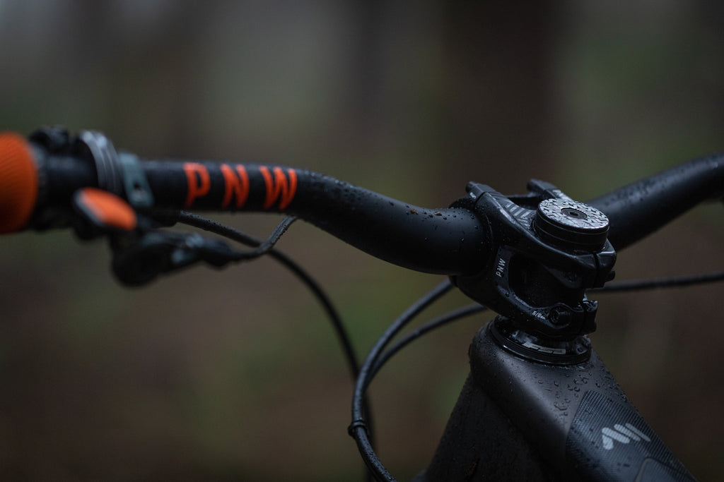 Singletracks Reviews PNW Components Range Handlebar, Range Stem and Loam Grips